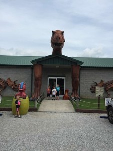 Explore Dinosaur World In Cave City Kentucky The Club Mom